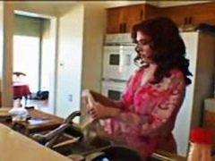 نساء هائجات, بزاز, مراهقات, في المطبخ