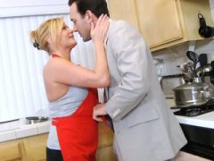 Kitchen, Cum, Ginger Lynn, Housewife, Shot, Cock, Mother, Anilos