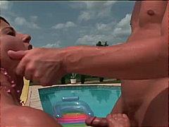 كساس حليقة, زوجان, مص, حمام السباحة, نهود كبيرة, بكينى