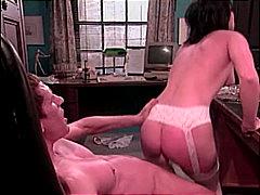 Në Zyre, Lingerie, Qiftet, Masturbime, Hollopke, Thithje, Anale