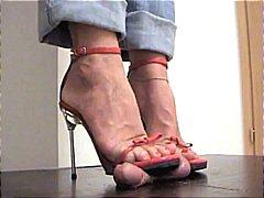 نساء مسيطرات, حب الأرجل, القذف