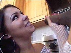 في المطبخ, مص, شرابات شبكة, تنانير, بنات جميلات, ظرفاء