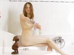 نكاح اليد, مراهقات, حمام, صهباوات