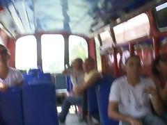 In Autobus, Lesbiche, Tette, Brunette, In Pubblico, Asiatiche, Indiani, Baci