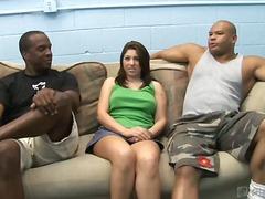 スカート, 女1男2の3P, ティーン, 褐色美人, 初体験, 3P