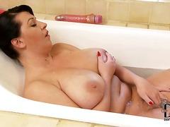 حمام, السمراوات, بزاز, أثداء طبيعية, سيدات رائعات