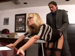 titkárnő
