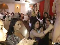 سكارى, مجموعات, حفلة, قبلات, نساء كاسيات ورجال عراه