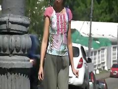 Sexo Vestido, Público, Al Aire Libre, Orinando