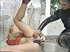 Femra Dominon, Lezbiket, Masturbime, Latexe